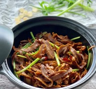 Red-braised Dried Bamboo Shoots笋干烧肉