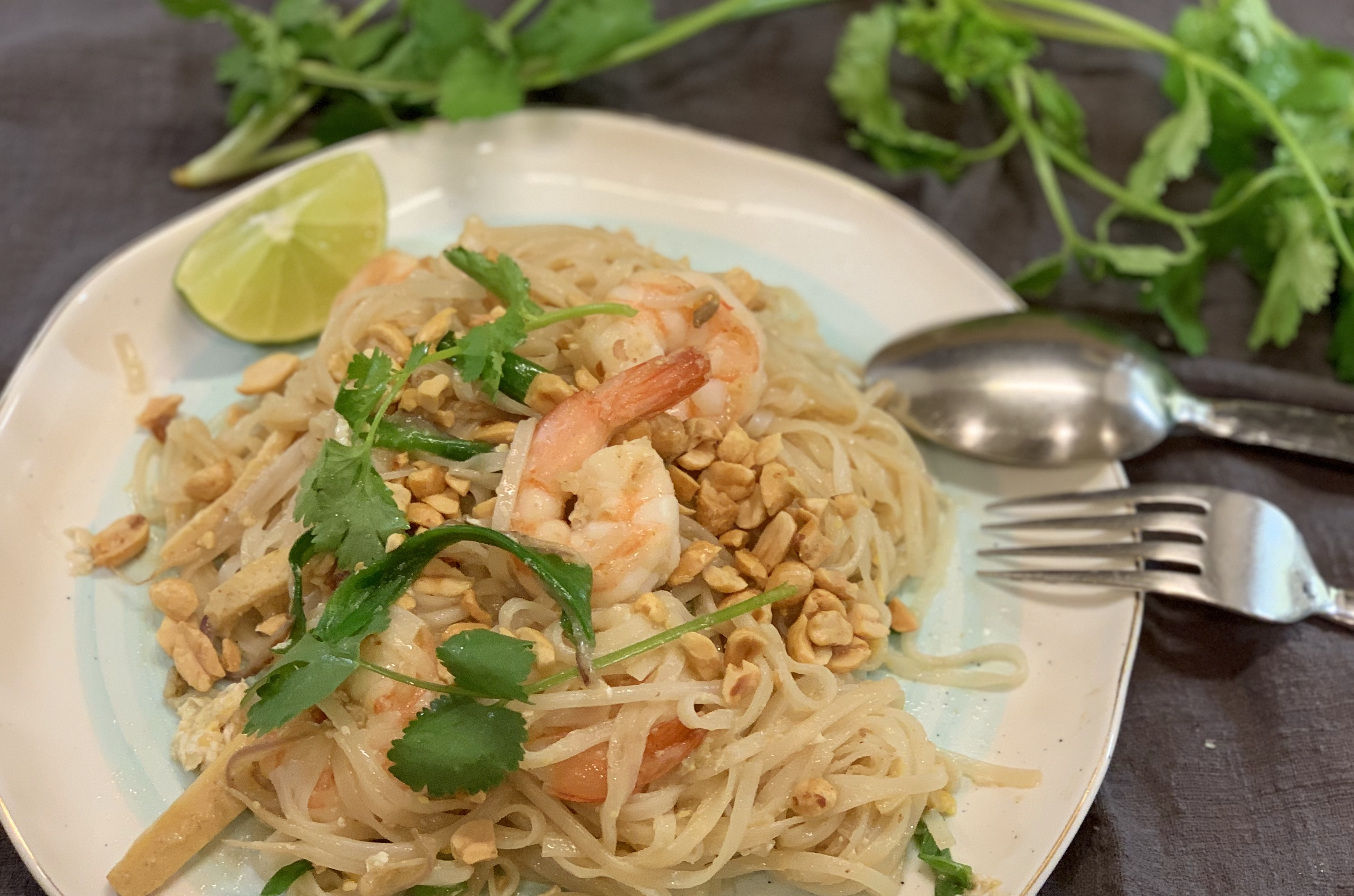Shrimp Pad Thai泰式炒河粉tài shì chǎo hé fěn