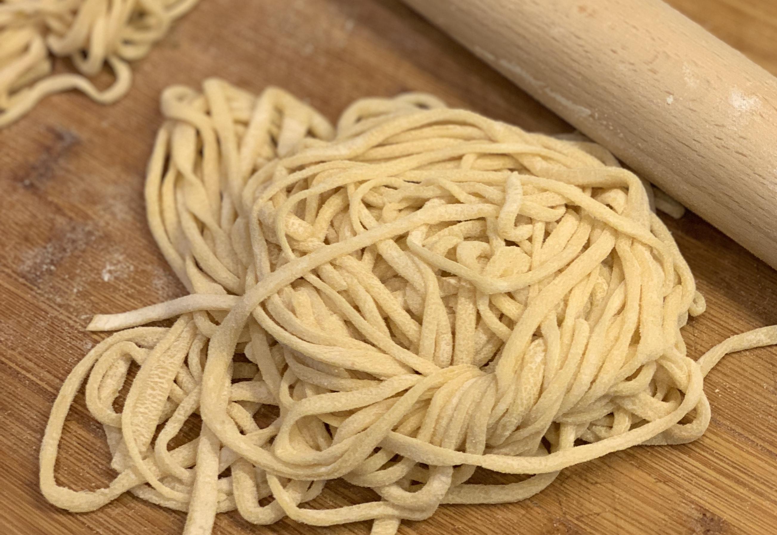 Egg Noodles全蛋面quán dàn miàn