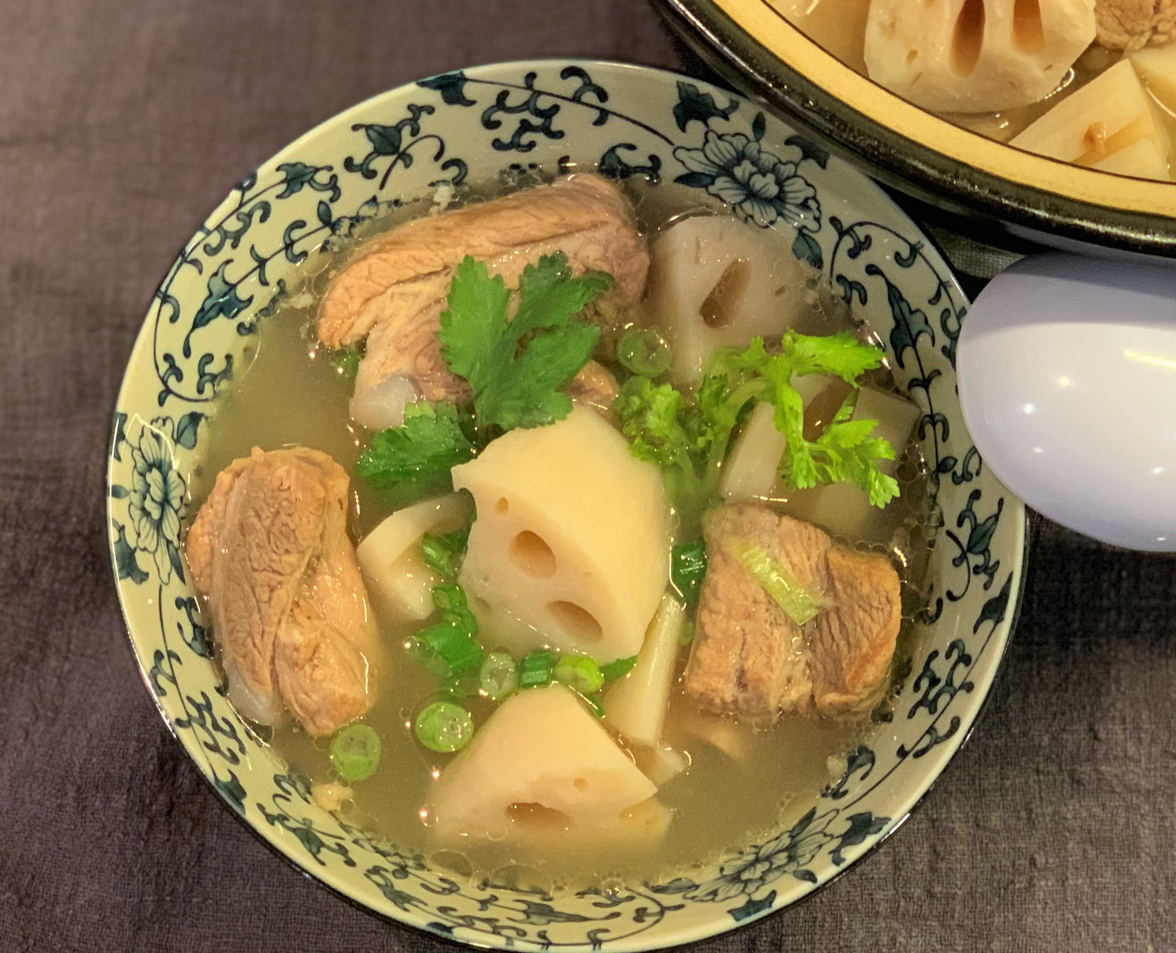 Lotus Root and Pork Rib Soup莲藕排骨汤lián ǒu pái gǔ tāng