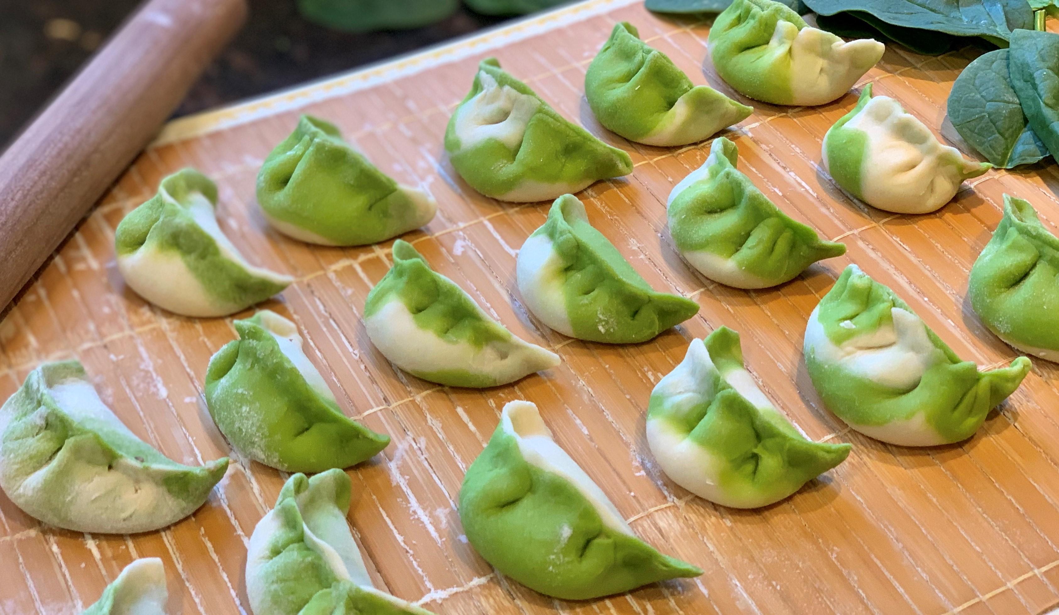 Jade Dumplings 翡翠水饺fěi cuì shuǐ jiǎo